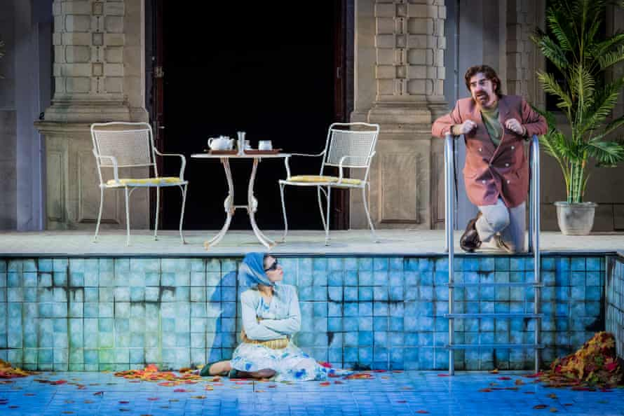 'Bags of style': Tereza Gevorgyan as Lisette with Stephen Aviss as Prunier in La rondine at Opera Holland Park.