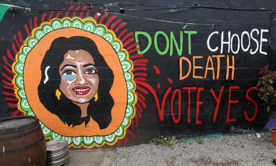 A pro-choice mural in Dublin featuring Savita Halappanavar, urging a yes vote in the referendum.