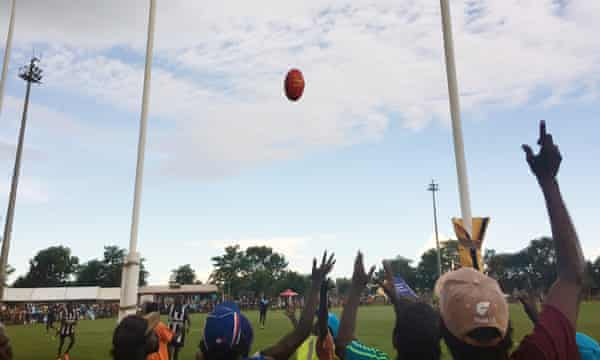 The Tiwi Islands AFL grand final, which attracts thousands of Tiwi Islanders, provides an opportunity for health workers to hand out material about the disease