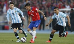 Little guys: Messi, Aranguiz, Aguero.