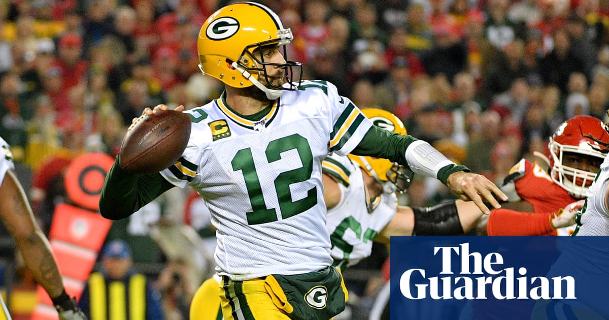 Aaron Rodgers miracle throw helps Packers to victory over Chiefs