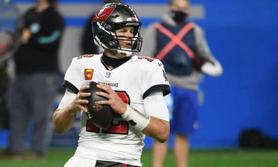 Tom Brady Throws Four Tds As Buccaneers Clinch First Playoff Spot Since 2007 Nfl The Guardian