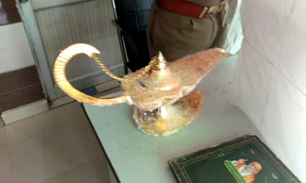 Lamp that was allegedly sold for £72,000 with the claim that it had magic powers