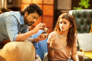 Shah Rukh Khan with Alia Bhatt in Dear Zindagi