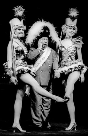 Mickey Rooney in Sugar Babies at the Savoy in 1988