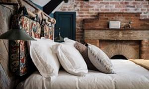 Bedroom, the Castle Inn, Lulworth