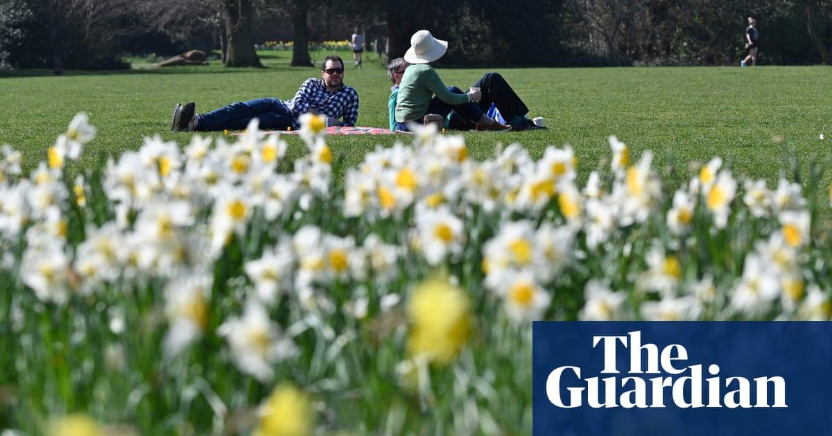 英国在3月录得最热的一天 53 年,温度为24.5C