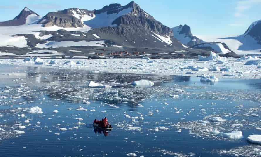 Polar circle boat heading towards Esperanza, an Argentinian base on Antarctica.
