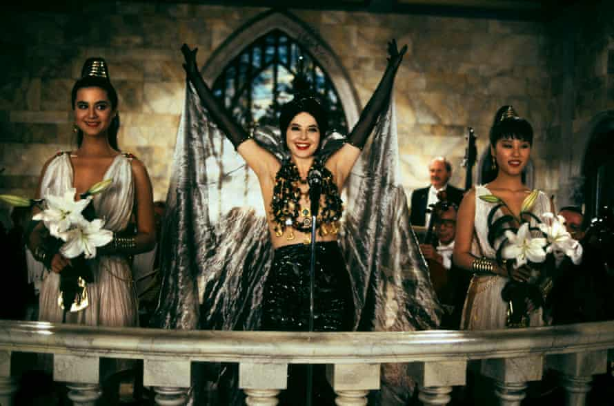 Isabella Rossellini as the dark-arts dabbling Lisle Von Rhuman in Death Becomes Her.