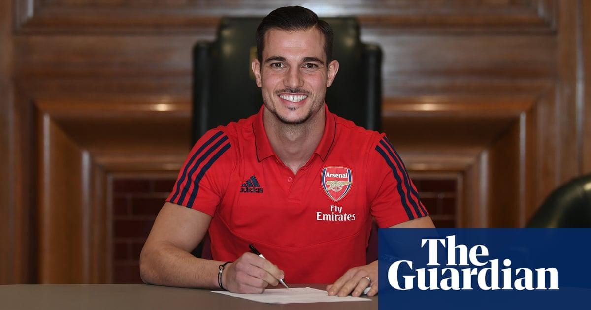 Arsenal sign Cédric Soares on loan until end of season