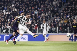 d736e0138 Gonzalo Higuaín exhibits poise and precision to fire Juventus into a  second-minute lead.