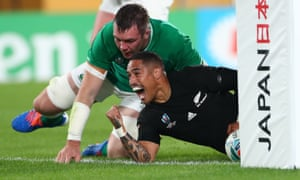 Aaron Smith scored an early try in a dominant New Zealand win over Ireland in Saturday's quarter-final.