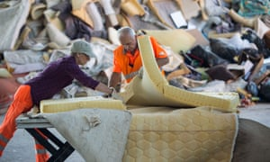 Salvaging metal, foam and timber from mattresses diverts thousands of tonnes of waste from landfill annually.