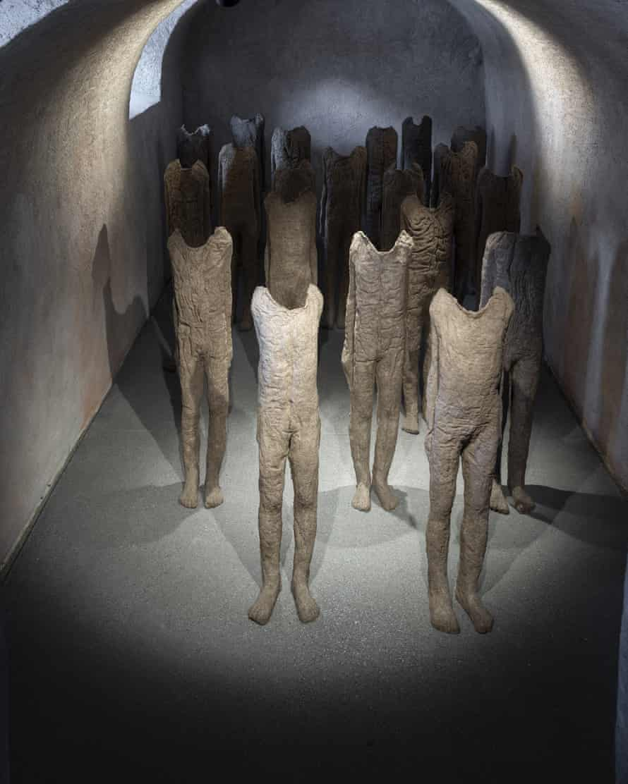 sculptures by Magdalena Abakanowicz.
