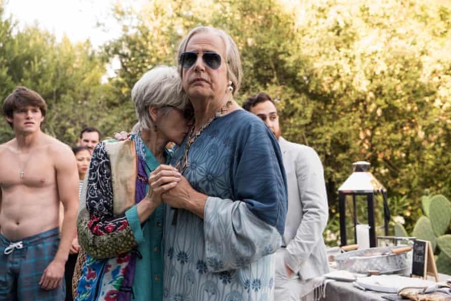 Judith Light as Shelly Pfefferman and Jeffrey Tambor as Maura Pfefferman in season two of Transparent