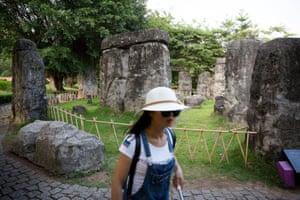 The giant stones of Stonehenge