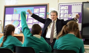 Damian Hinds in a classroom with pupils
