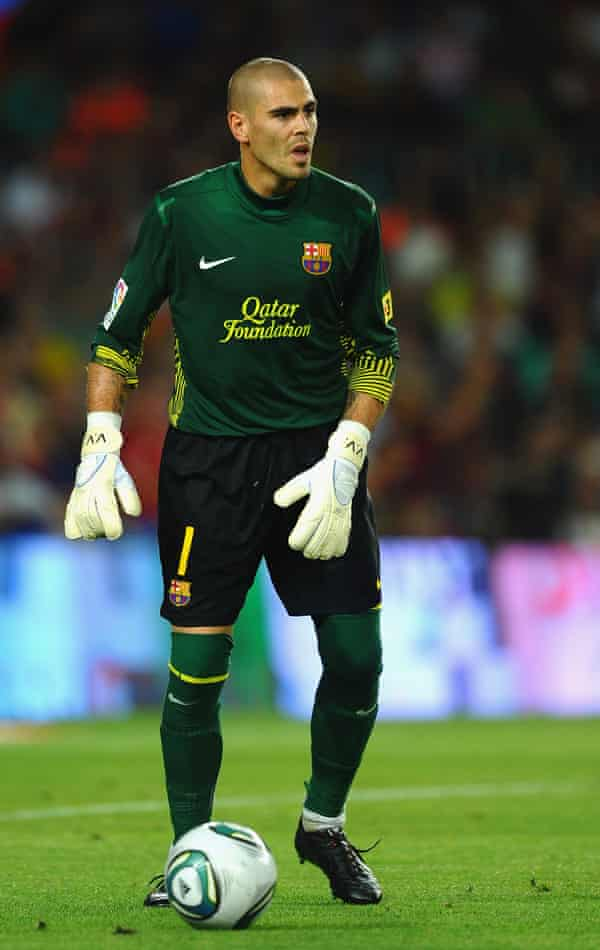 Victor Valdés was always comfortable with the ball at his feet.