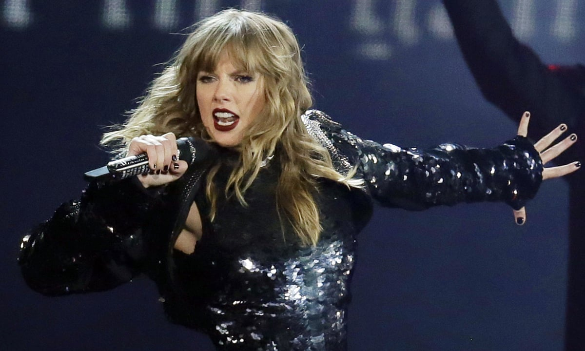 Taylor Swift S Former Label Denies Blocking Her From Performing Taylor Swift The Guardian