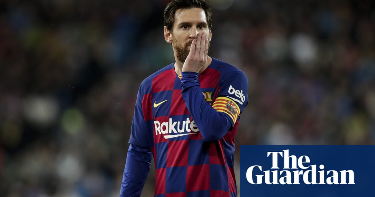 Lionel Messi says players will help staff at Barcelona but hits out at board again