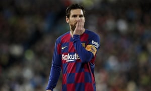 Lionel Messi reacts during the defeat against Real Madrid on 1 March.