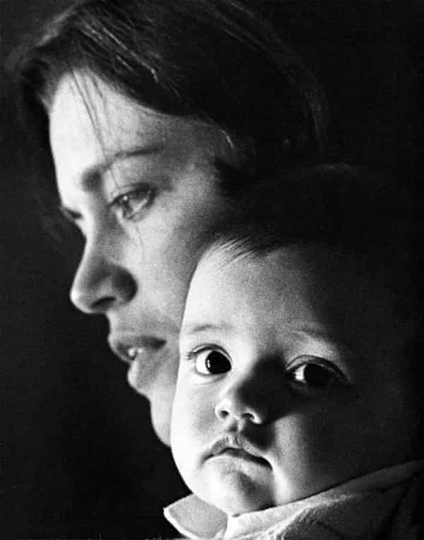 Charlotte Grimshaw with her mother Kay Stead
