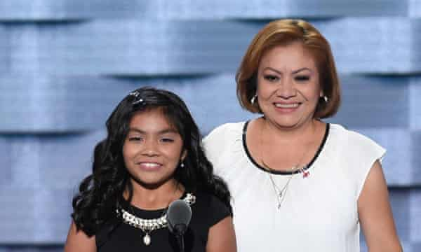 Karla Ortiz and her mother.