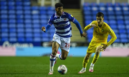 Josh Laurent of Reading FC in action against Wycombe Wanderers