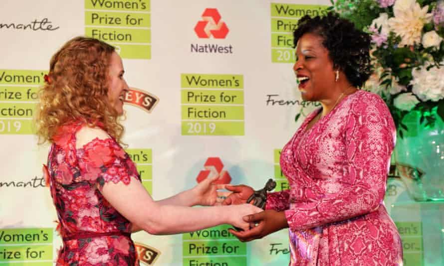 Tayari Jones, winner of the 2019 Women's Prize for Fiction, receiving the award