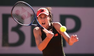 Sorana Cîrstea takes the first set