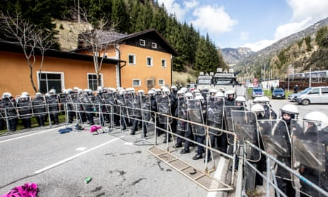Austrian troops to stop migrants crossing border with Italy