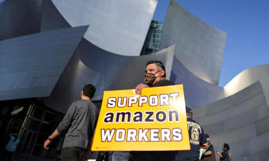Protest in Los Angeles in support of the unionising efforts of Alabama Amazon workers.