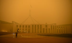 Parliament House in Canberra surrounded by smoke haze, 5 January 2020