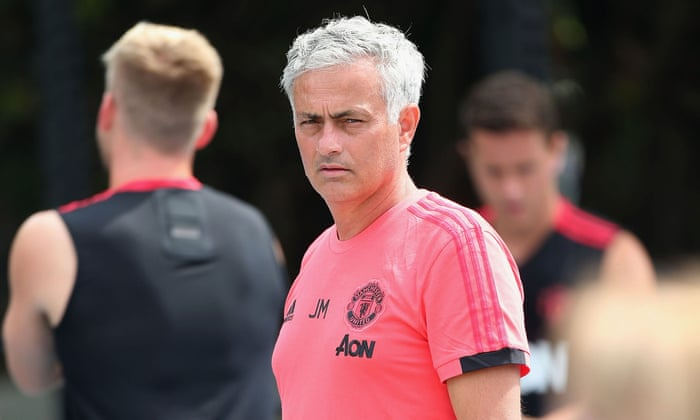 José Mourinho diz que a pré-temporada é 'muito ruim' por causa dos ausentes da Copa do Mundo
