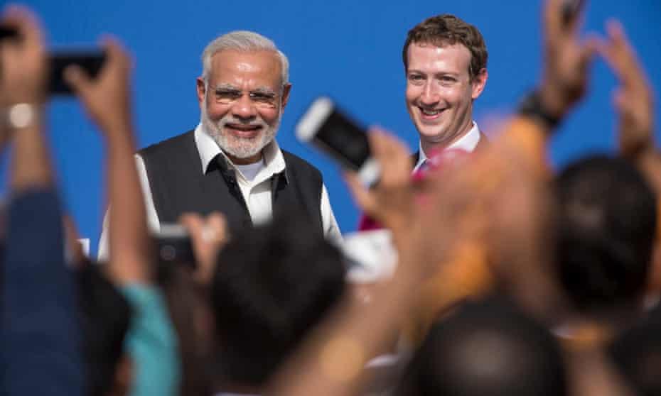Indian prime minister Narendra Modi with Mark Zuckerberg at Menlo Park in 2015.