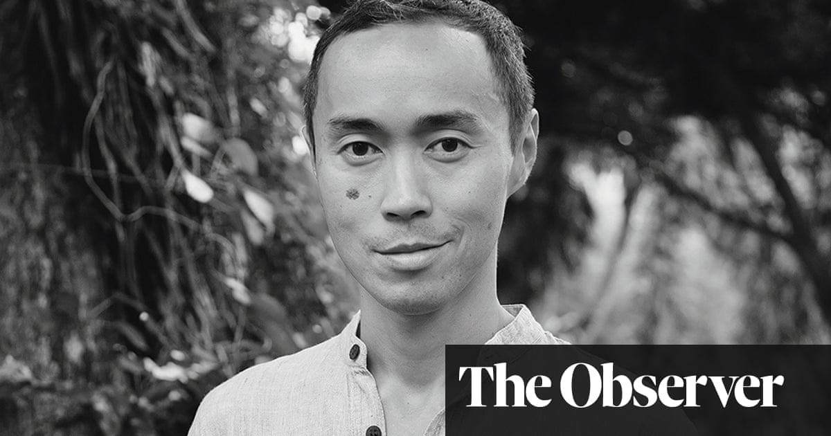 Strangers on a Pier by Tash Aw review – memories of a Malaysian outsider