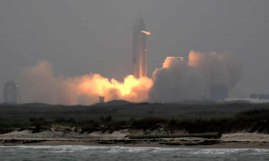 SpaceX test launches its SN15 Starship prototype on 5 May in Boca Chica, Texas.