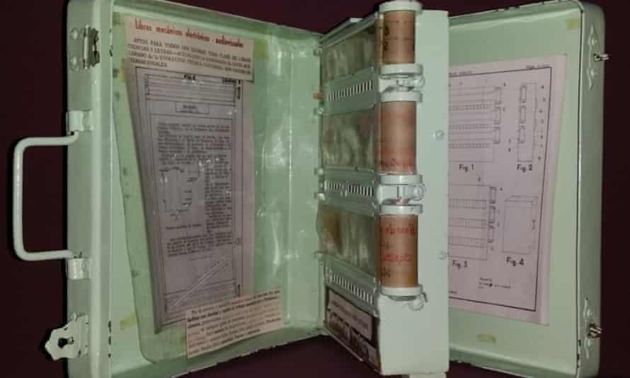 Ángela Ruiz Robles's mechanical encyclopaedia.