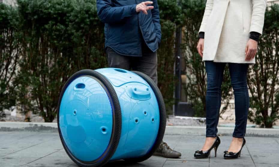 """Big enough to carry a case of wine"" ... Gita, Piaggio Fast Forward's cargo droid."