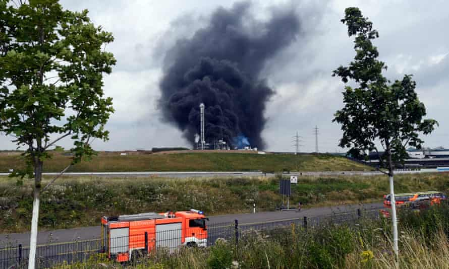 Smoke rises from the site of the explosion in Leverkusen's Bürrig district