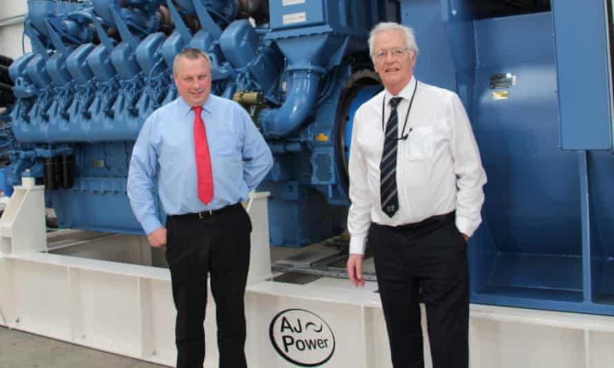 AJ Power Operations Director Dr. James Cochrane und Managing Director und Chairman Ashley Piggott.