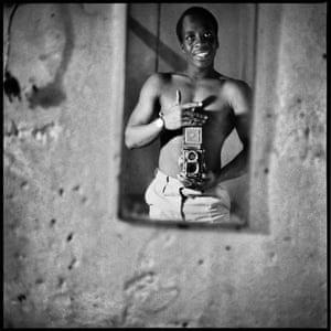 Autoportrait au Miroir, 1966.