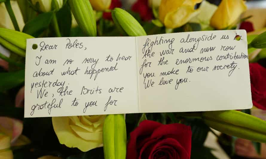 A message sent with flowers to the Association.