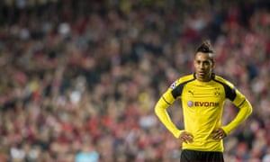 Pierre-Emerick Aubameyang squandered chances in the first half.