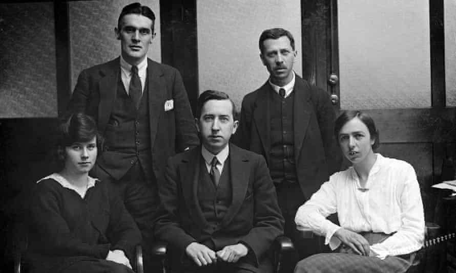 The Guardian Weekly team in 192
