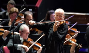 Thomas Zehetmair performs Schumann's Violin Concerto with the BBC Philharmonic.