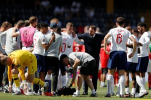 England manager Gareth Southgate gives instructions to the players during the extra-time break.