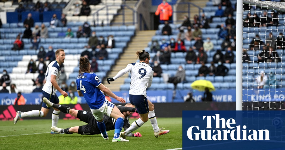 Gareth Bale's late double lifts Spurs and denies Leicester top-four finish