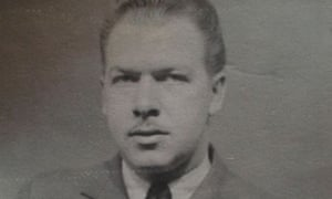 Jim Latimer was a bomb aimer in the RAF from 1942 to 1945. After the war he ran shops in Prestwich