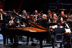 Emanuel Ax performs Beethoven's Piano Concerto No 4 with the Vienna Philharmonic conducted by Bernard Haitink at Prom 60